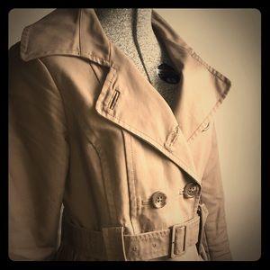 Trench coat. H&M